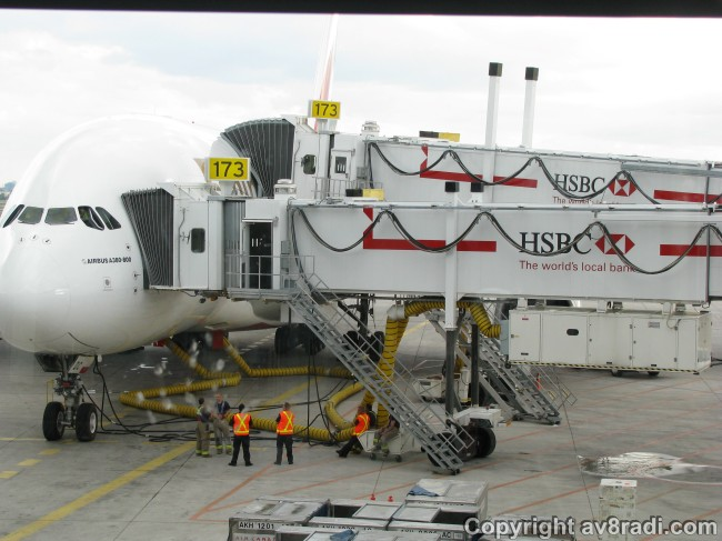 Aerobridges (jetways) to the lower and upper deck
