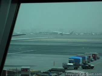 An EK 777 takes to the skies