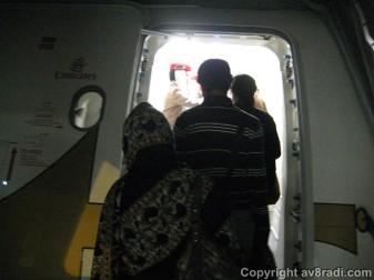 Queue at the aircraft