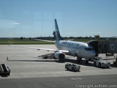 WS Boeing 737-600