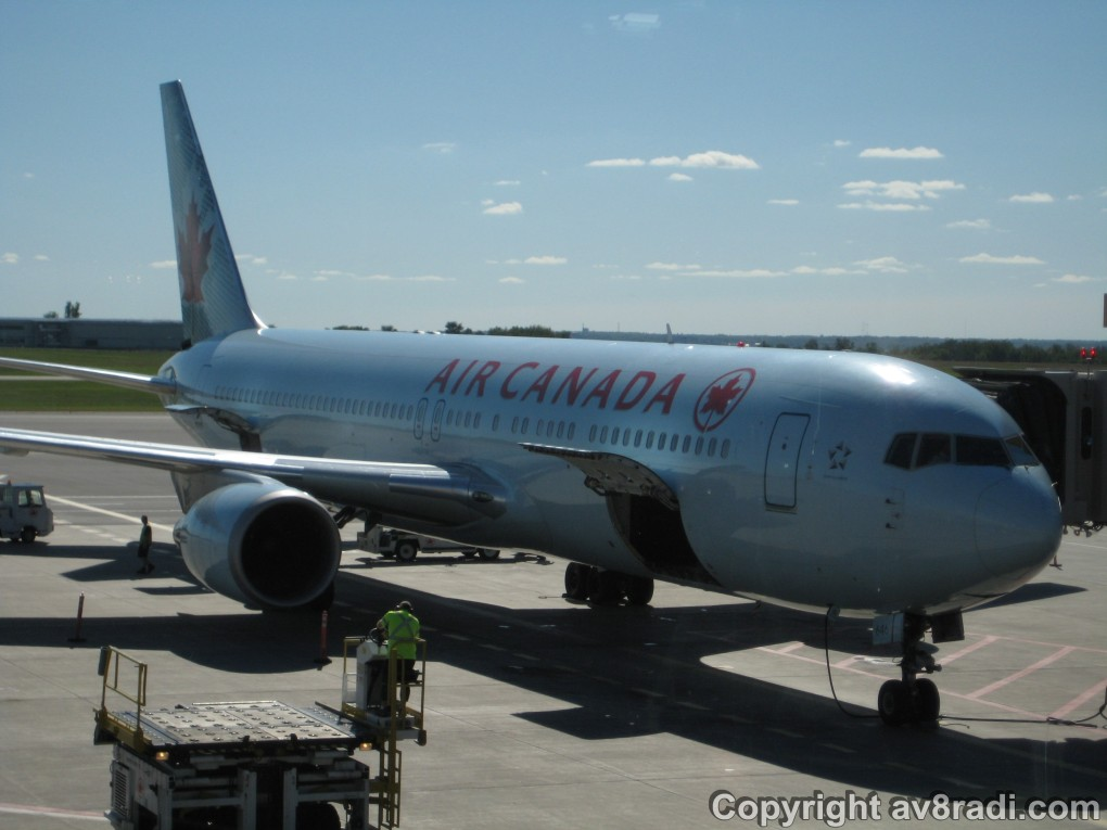 Air Canada Boeing 767-300ER prepping for her flight to either LHR or FRA